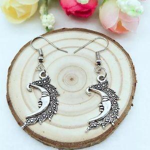 Jewelry - Moon Earrings